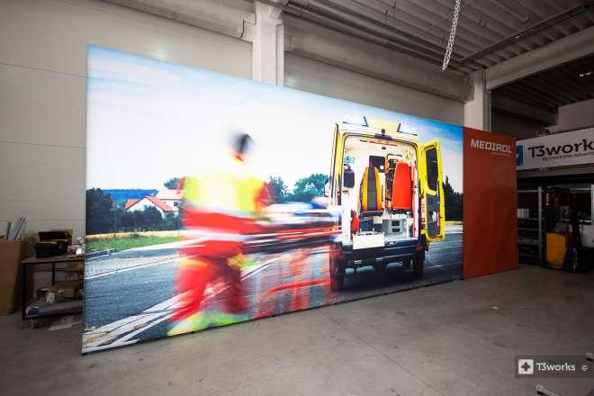 Textilná podsvietená stena 8 x 3 m