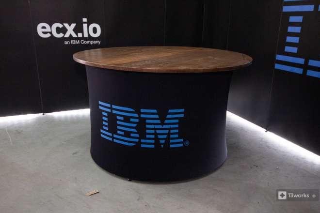 Okrúhly textilný stôl - IBM